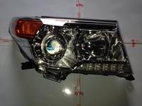Toyota Land Cruiser FJ200 2012 фараПРАВАЯ 2012