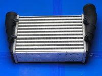 Радиатор интеркулера новый ( 058145805G )