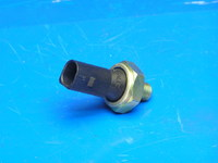 Датчик давления масла (черный) ( 06A919081J )